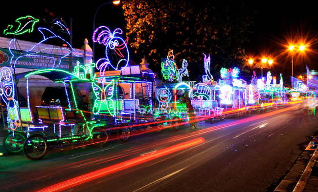 Rental Mobil Tahun Baru 2015 di Alun-alun Kidul Jogja