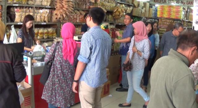 Tips Membeli Oleh-Oleh di Kampung Halaman