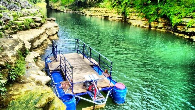 Perahu Rakit Menuju Air terjun Sri Gethuk