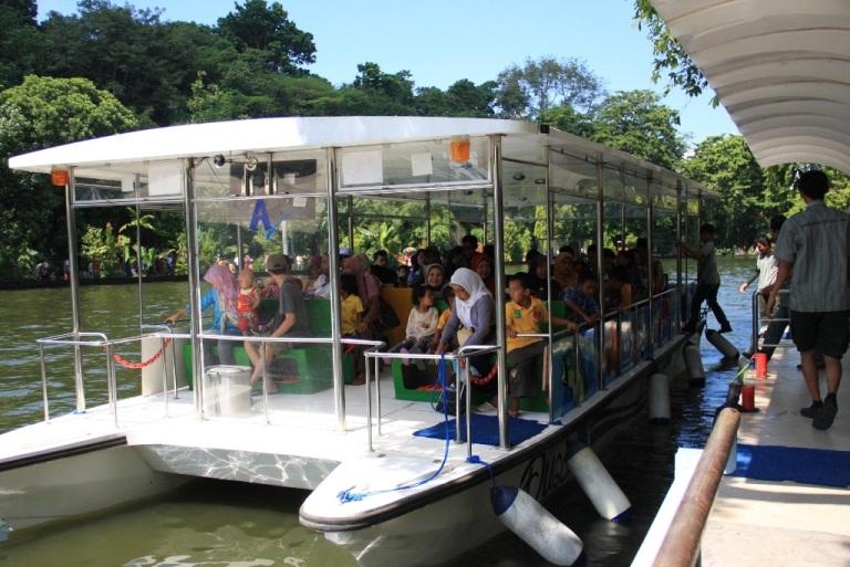 perahu-katamaran