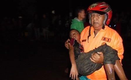 Evakuasi Korban Banjir Garut